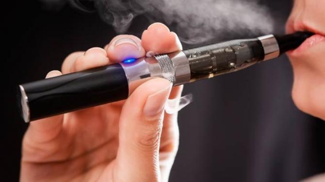 Britische Mediziner brechen Lanze für E-Zigarette