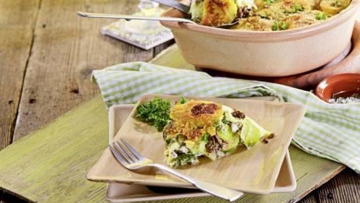 Diabetiker-Rezept: Kartoffel-Hack-Auflauf mit grünem Gemüse
