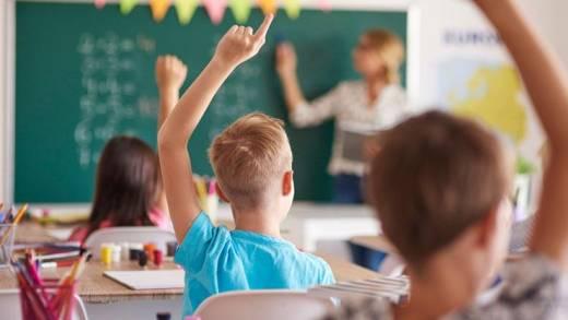Mit gesundem Rücken die Schulbank drücken