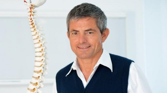 Rückenschmerzen: Fünf häufige Rück(en)fragen beim Arzt